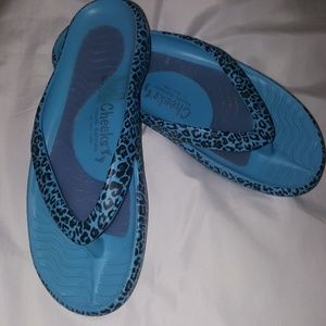 Cheeks by Tony Little Flip Flops- With Dust Bag